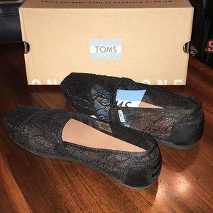 Black lace toms size 8.5